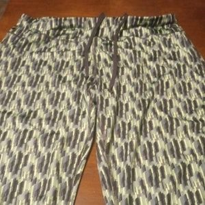 Danskin Now Fitted Activewear Bottoms Size L(12-14